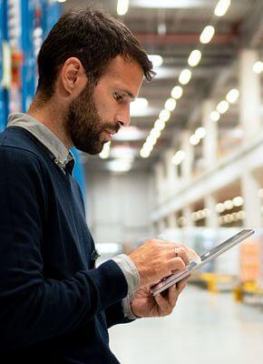 Aluguer de material logístico: A solução para a procura atual