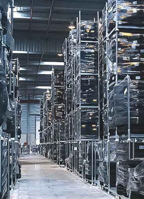 Como é que os sistemas de armazenamento flexível melhoram a eficiência do armazém?